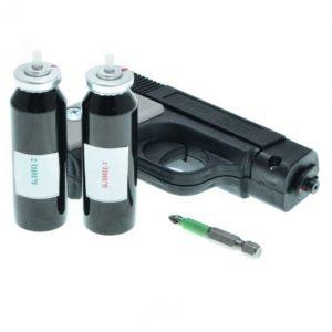 Газовый пистолет и запасные баллончики